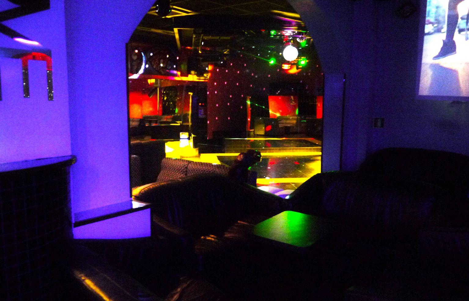 Fotogallery galleria fotografica foto club priv milano for Arredamento club prive